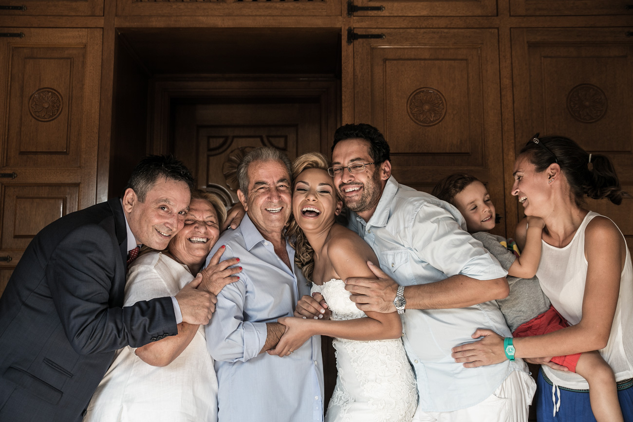 family-moments-on-a-greek-wedding