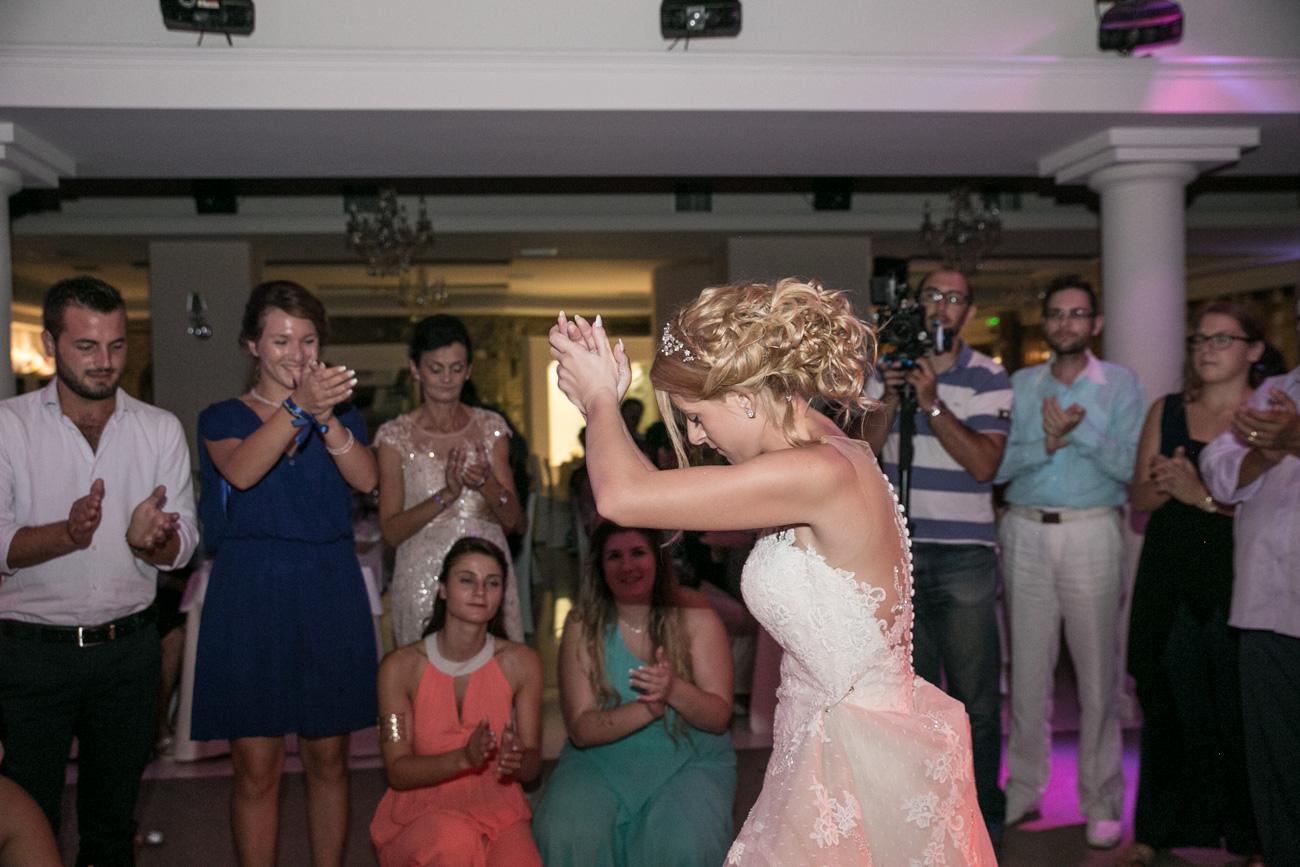 greek-bridal-dance