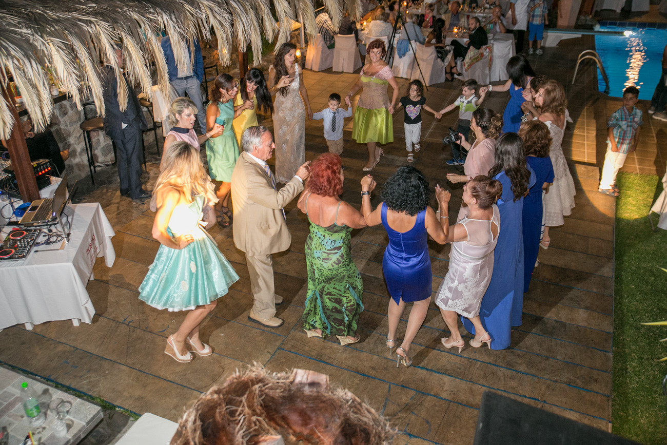 wedding-party-in-greece