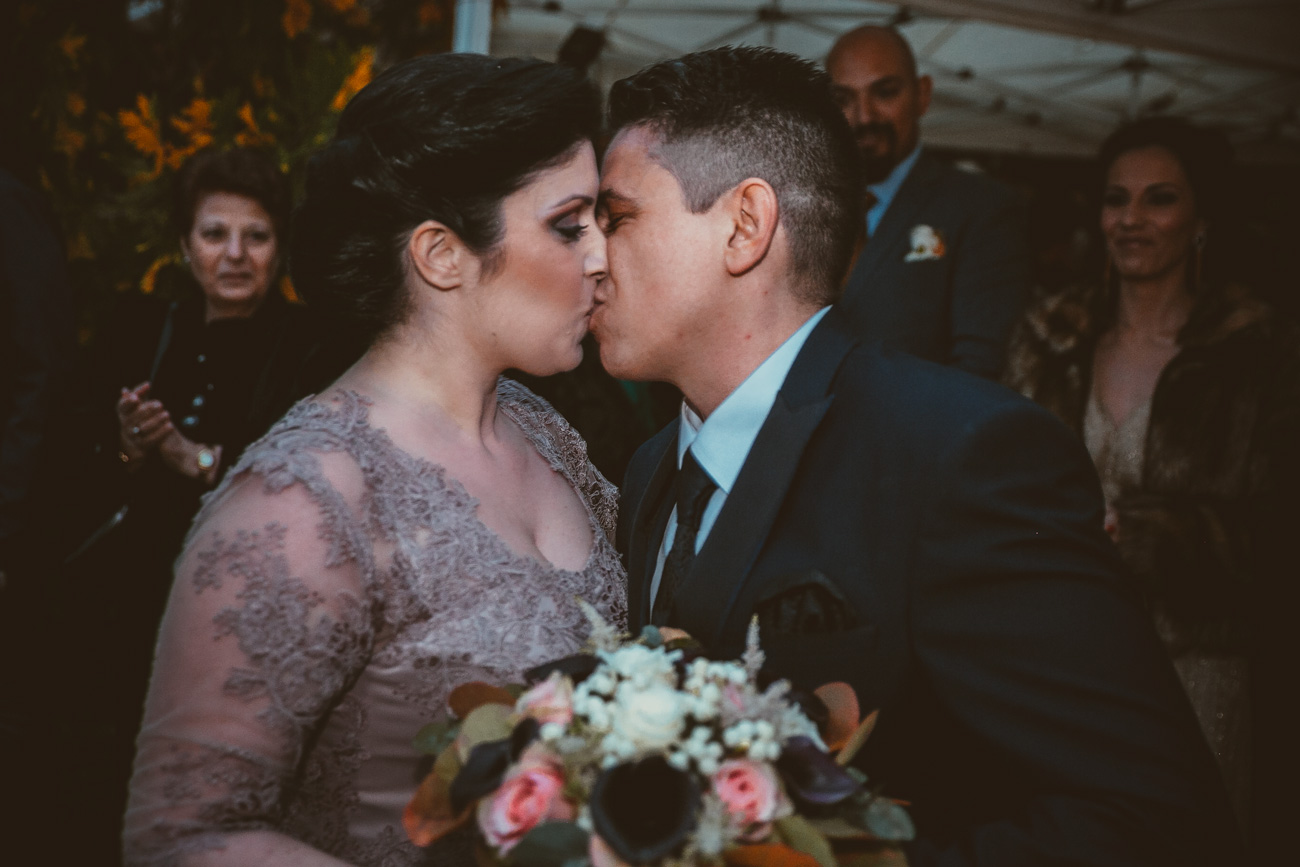 groom-and-bride-kiss