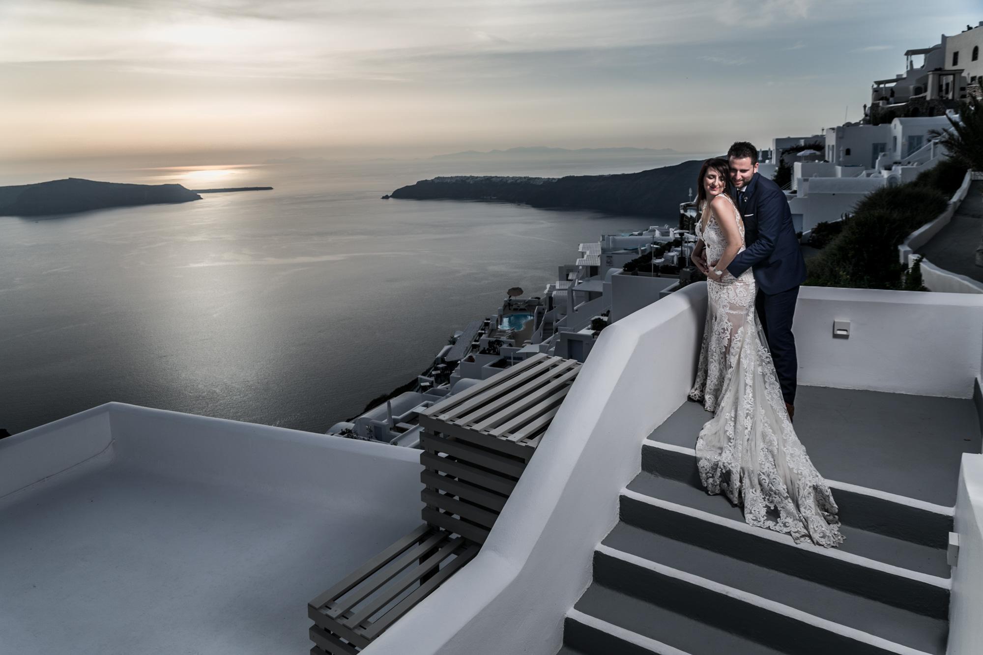 wedding-photographer-on-santorini