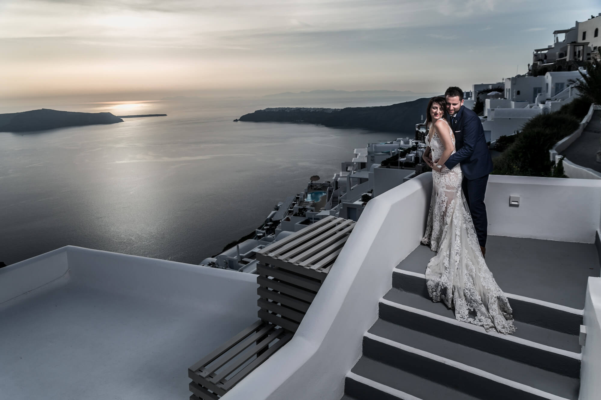 wedding-photographer-on-santorini